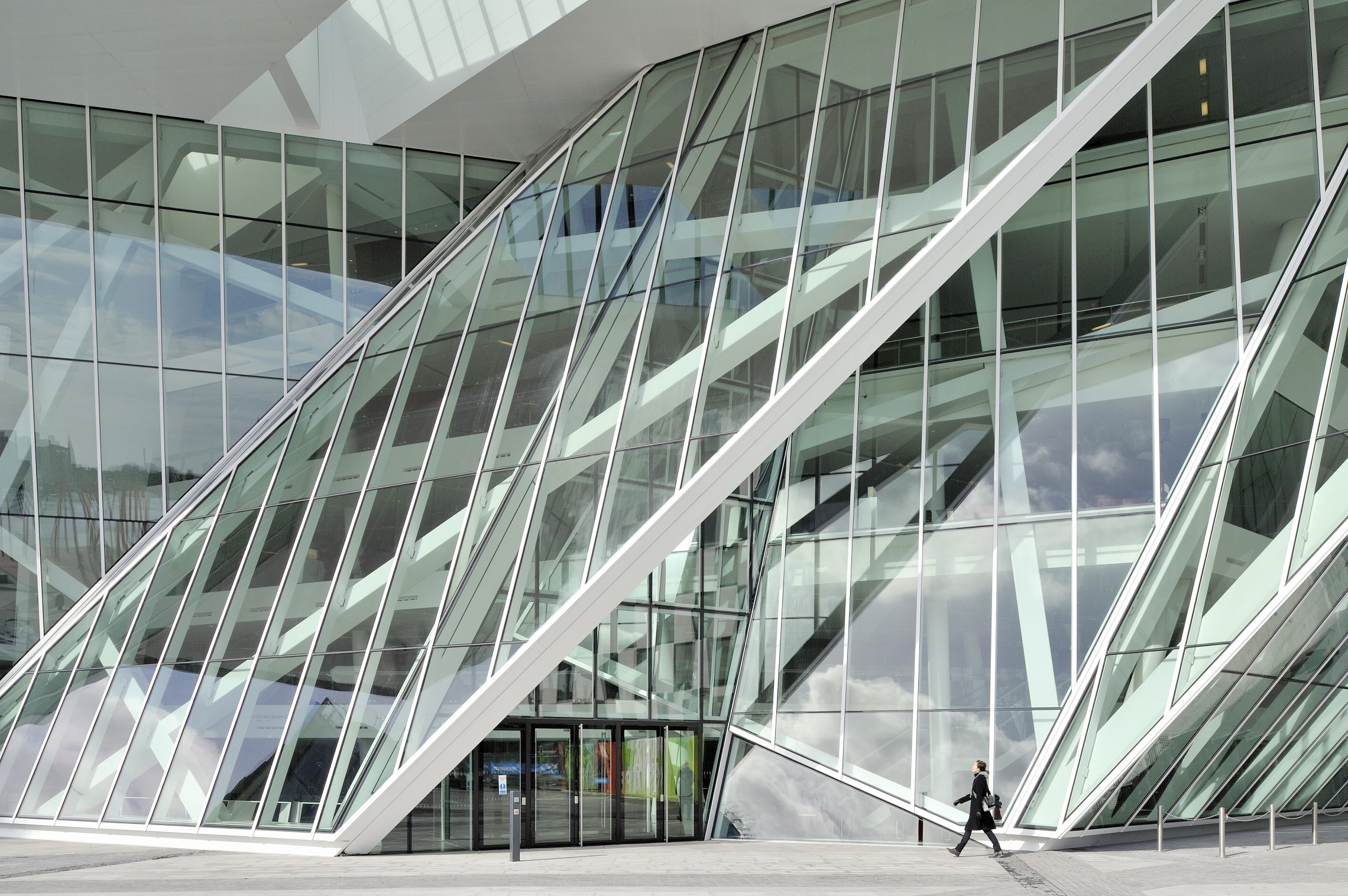 Mullions Curtain Wall On Libeskind S Theatre 022 Facad3s